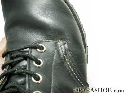 靴の糸のほつれを補修後