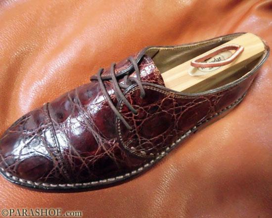 シューキーパーを靴にセットする