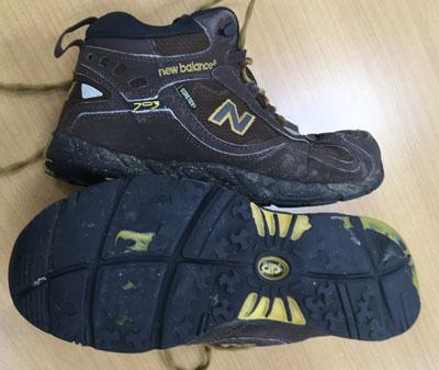 ニューバランスのトレッキングシューズ(登山靴)